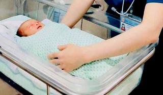 Tin vui về sức khỏe bé sơ sinh bị bỏ rơi ở hố ga