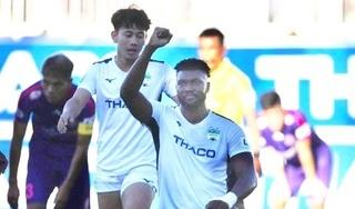 Trợ lý HLV Sài Gòn FC trần tình khi cầu thủ bị tố 'nằm sân câu giờ'