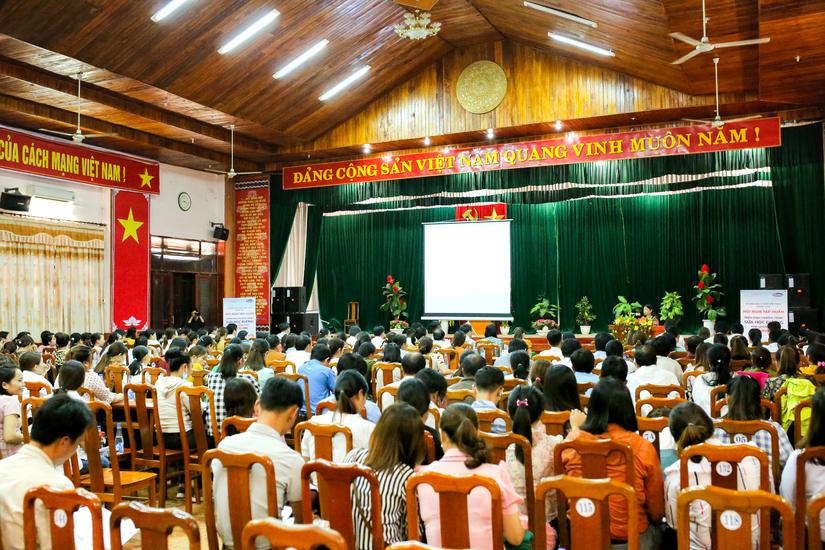 Quảng Nam - Nỗ lực để đưa sữa lên trường học vùng cao