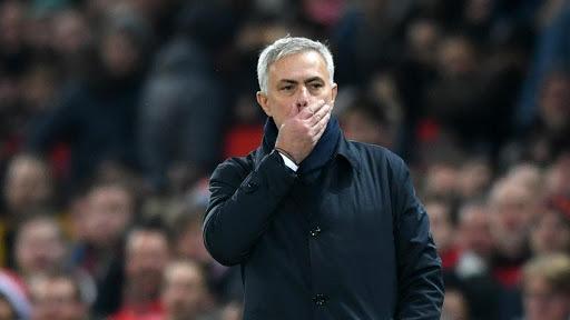 HLV Mourinho bất mãn với quyết định của trọng tài trong trận hòa Man United