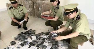 Tin tức pháp luật 20/6: Phát hiện 3 kho hàng lậu, hàng giả ở chợ trung tâm Móng Cái