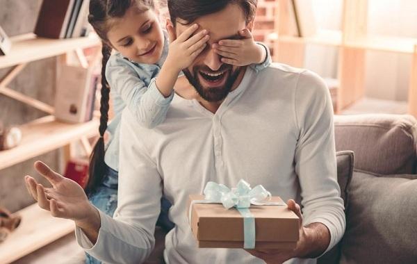 Gợi ý những món quà tuyệt vời dành tặng Cha nhân Ngày của Cha
