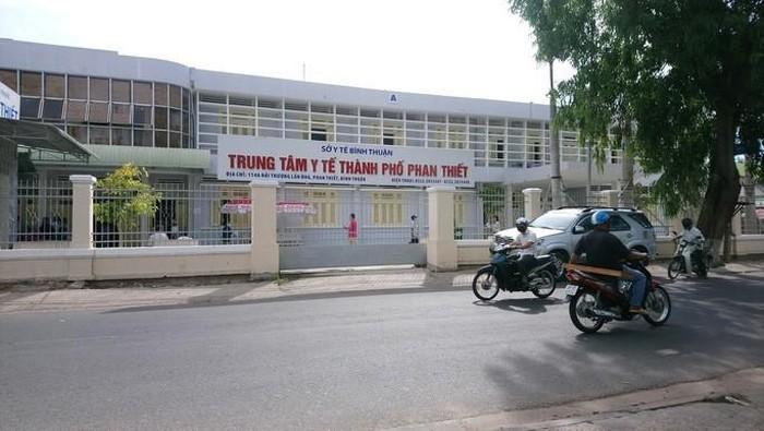 Cách chức 2 lãnh đạo Trung tâm Y tế Phan Thiết vì để thuộc cấp tham ô