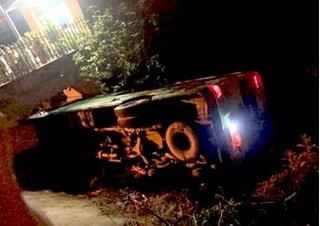 Xe chở học sinh cuối cấp đi chụp kỷ yếu bị lật trong đêm