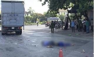 Xe máy va chạm với xe tải, 2 người đàn ông tử vong