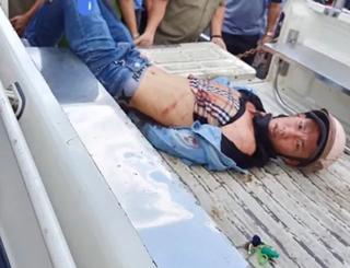 Xông ra bắt tên trộm SH, 2 người bị đâm trọng thương