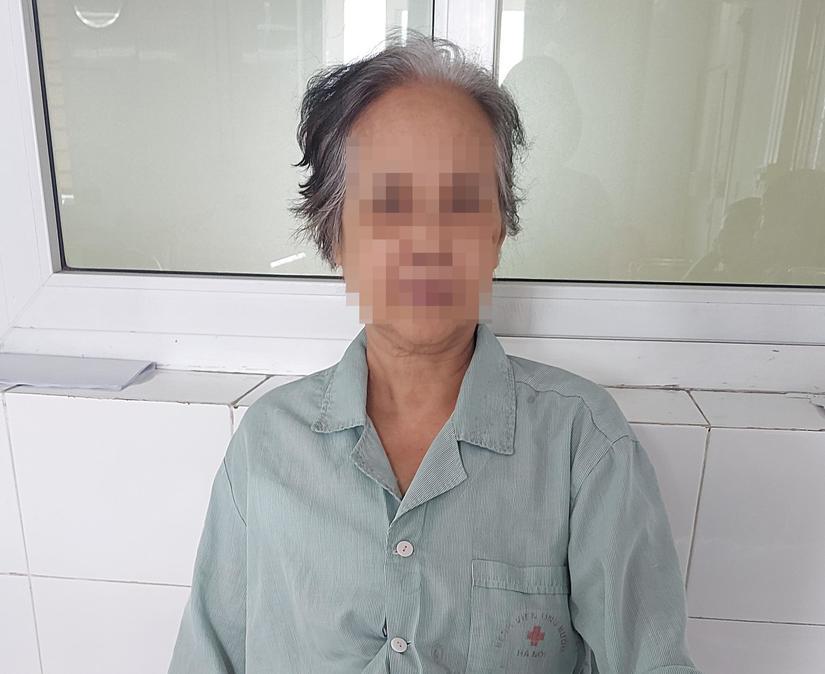 Cụ bà 73 tuổi tự chữa khối u vú trong 20 năm 2