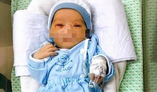 Bác sĩ BV Xanh Pôn: 'Chưa thể nói trước về tình trạng bé sơ sinh bị bỏ rơi dưới hố ga'