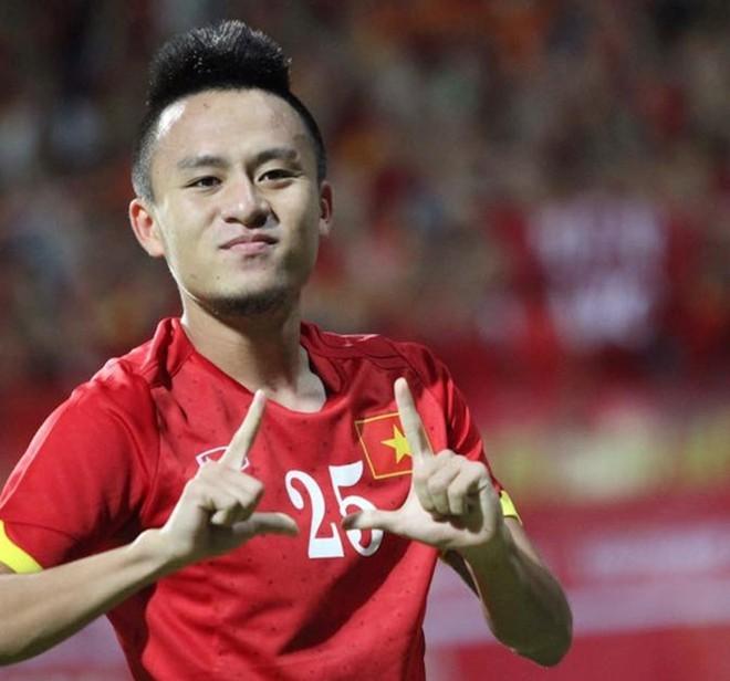 BLV Quang Huy tiến cử Huy Toàn cho HLV Park Hang Seo