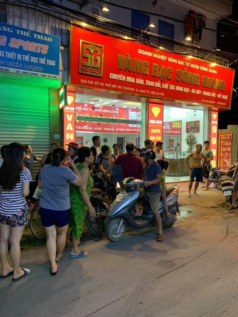 Truy bắt đối tượng cướp tiệm vàng ở Hà Nội