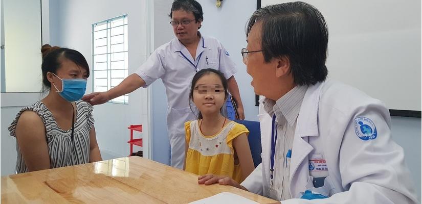 Bị khối u ác tính, bé gái mất gần hết hai bên phổi hồi sinh trở lại nhờ cách này của bác sĩ