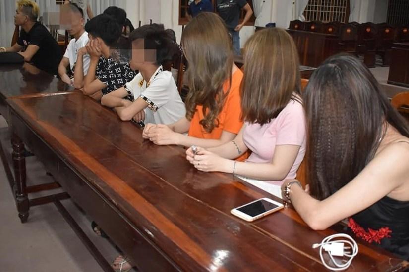 Học sinh cấp 2 cũng tham gia 'bay lắc' trong quán karaoke Quảng Trị