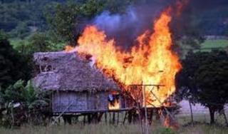 Hút thuốc gần can xăng gây hỏa hoạn, 2 vợ chồng bị cháy thương vong
