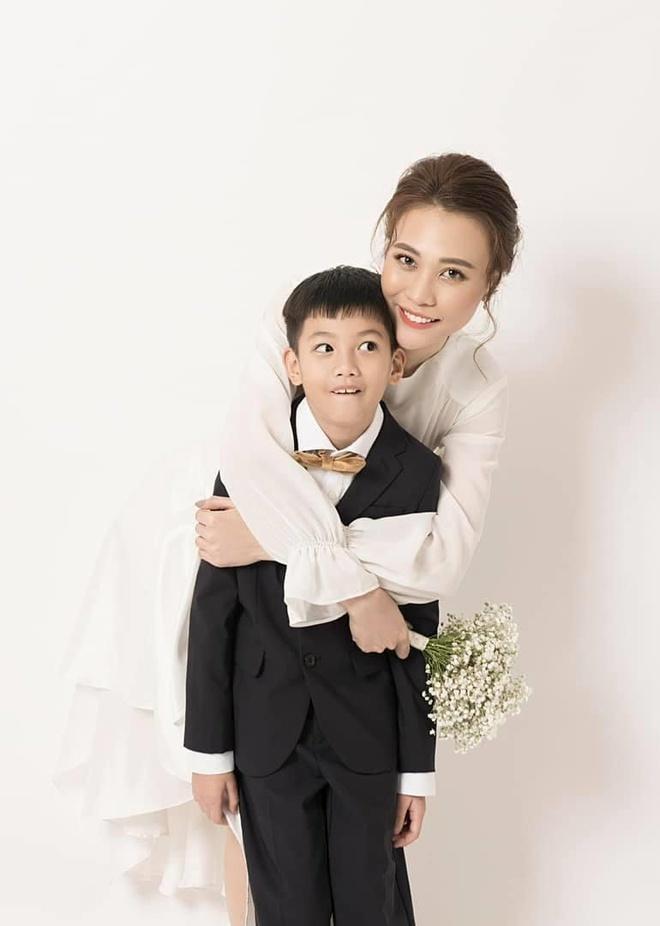Hé lộ giới tính con chung của Đàm Thu Trang và Cường Đô La