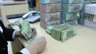 Nữ nhân viên hợp đồng của một ngân hàng tuyên bố vỡ nợ 200 tỷ