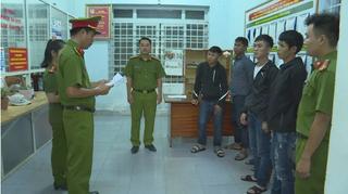 Khởi tố, bắt tạm giam 12 thanh niên phố Núi mang dao kiếm hỗn chiến