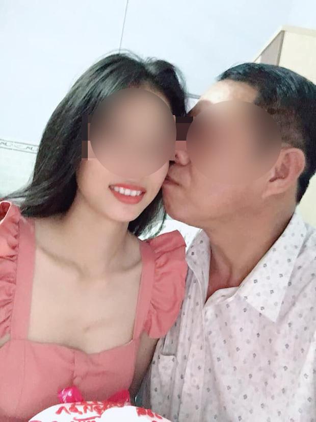 Sa thải thầy giáo 53 tuổi ly hôn vợ, cưới học trò 21 tuổi