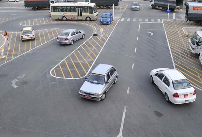 Tổng cục đường bộ Việt Nam: Bằng B1 vẫn lái xe số tự động như thường