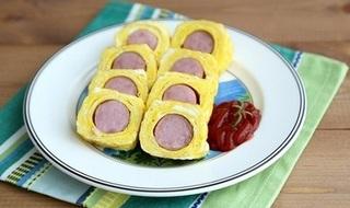 Làm món trứng cuộn xúc xích thơm ngon, đẹp mắt, bé nào cũng thích