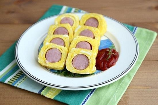 Làm ngay món trứng cuộn xúc xích thơm ngon, đẹp mắt, bé nào cũng thích