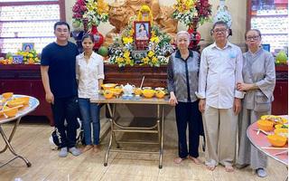 Bố mẹ Phùng Ngọc Huy thay mặt con trai làm lễ cúng 100 ngày cho diễn viên Mai Phương