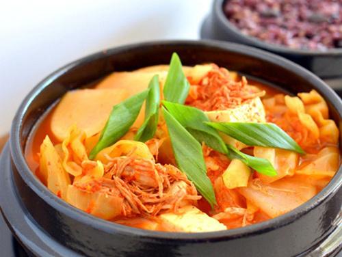 Cách nấu canh kim chi Hàn Quốc thơm ngon, chuẩn vị