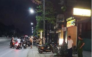 Tài xế taxi mâu thuẫn với người đi đường, khách trên xe bị đâm chết oan