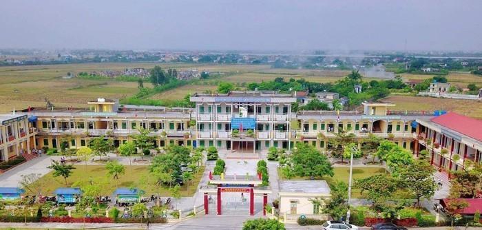 Phụ huynh phản ánh trường cấp 2 Hồng Thuận, Nam Định lạm thu