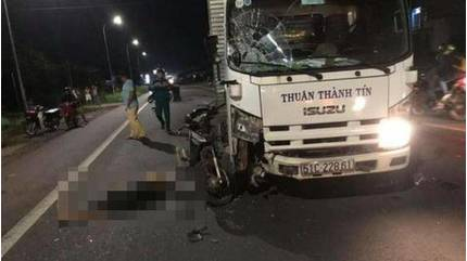 Tin tức tai nạn giao thông ngày 3/7: Tông mạnh vào đầu xe tải, người đàn ông tử vong
