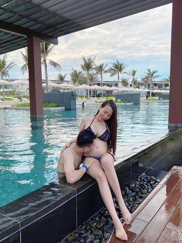 Bà xã Khắc Việt tự tin diện bikini khoe bụng bầu 6 tháng