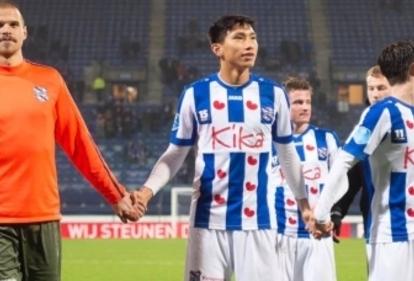 Trợ lý HLV Heerenveen khuyên đội nhà nên giữ lại Đoàn Văn Hậu