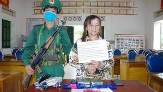 Thiếu nữ vận chuyển 1.600 viên ma túy để lấy 10 triệu tiền công