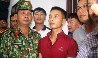 Tặng giấy khen cho người báo tin để bắt được phạm nhân Triệu Quân Sự