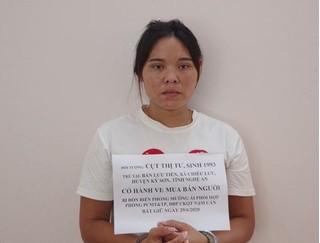 Bắt 'nữ quái' chuyên lừa thiếu nữ nhẹ dạ bán sang Trung Quốc