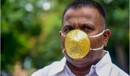 Doanh nhân Ấn Độ đeo khẩu trang bằng vàng 4.000 USD tránh Covid-19