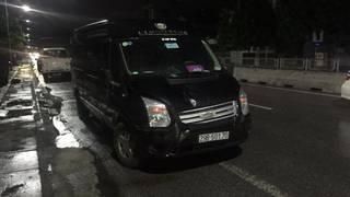 Xe limousine tông chết người đi bộ ở Quảng Ninh