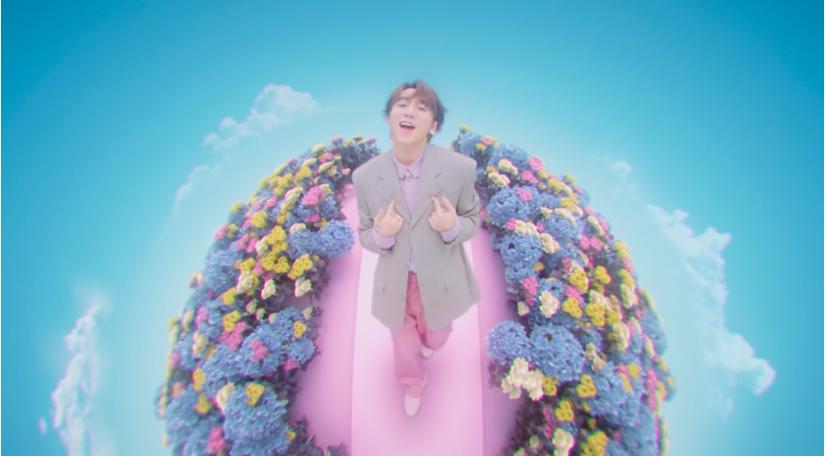 Soi loạt đồ hiệu Sơn Tùng M-TP diện trong MV 'Có chắc yêu là đây'