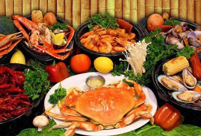 Bỏ túi ngay những nguyên tắc vàng khi ăn hải sản để tránh ngộ độc