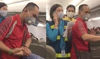 Cấm bay 12 tháng với nam hành khách kích động gây rối trên máy bay