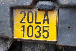 Xe kinh doanh vận tải phải đổi biển số sang màu vàng từ 1/8