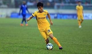 HLV SLNA bức xúc với quyết định của trọng tài trong trận 'đối đầu' Quảng Nam