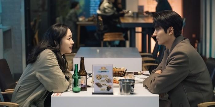Soi loạt bằng chứng Lee Min Ho và Kim Go Eun hẹn hò