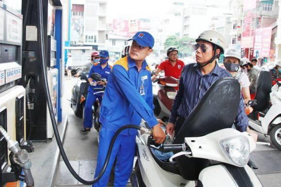 Giá xăng dầu hôm nay 8/7: Cắt giảm sản lượng, giá dầu tăng trở lại