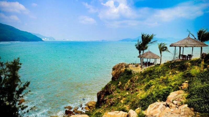 Tắm biển Quy Nhơn khi sóng lớn, 3 nữ du khách chết đuối thương tâm