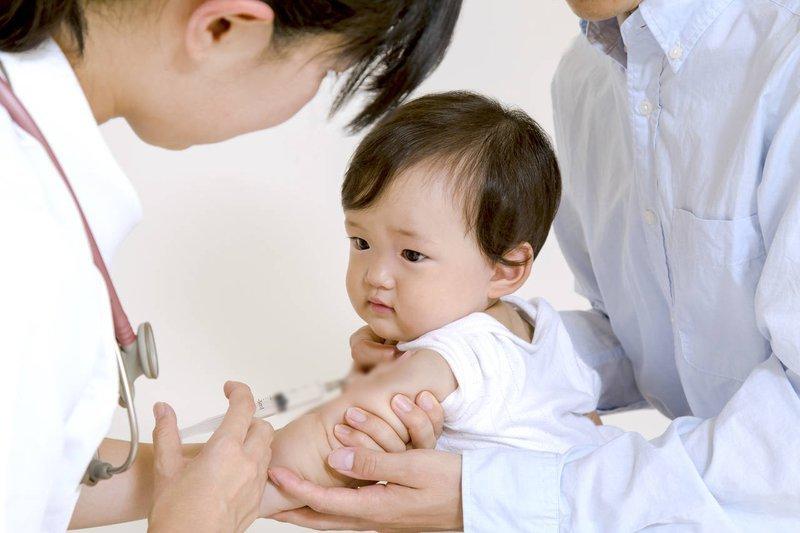 Bé 10 tháng tuổi mắc viêm não Nhật Bản B khi chưa đến tuổi chích ngừa