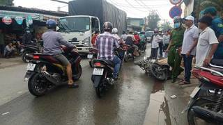 Tin tức tai nạn giao thông ngày 8/7: Va chạm với xe tải khi tránh vũng nước, 1 người tử vong