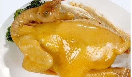Luộc gà theo cách này, đảm bảo gà giòn ngon, không bị nứt