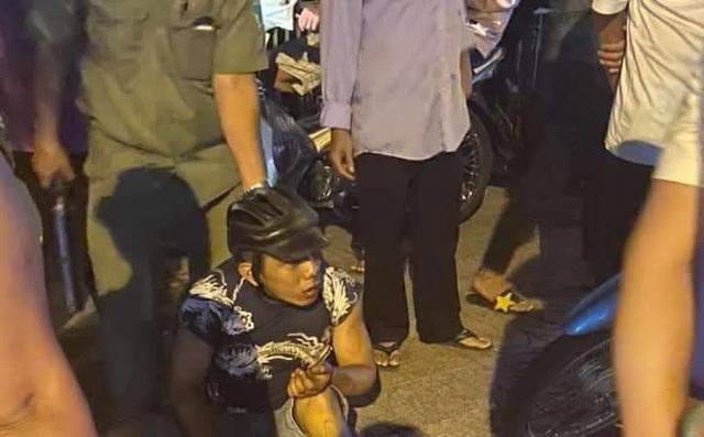 Va chạm giao thông trên đường bỏ chạy, hai tên cướp bị tóm gọn