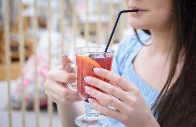 Những thói quen không tốt làm ảnh hưởng đến sức khỏe răng miệng