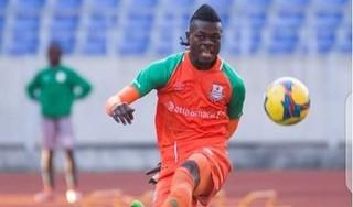 Tuyển Malaysia bị cầu thủ châu Phi 'lừa một vố đau'